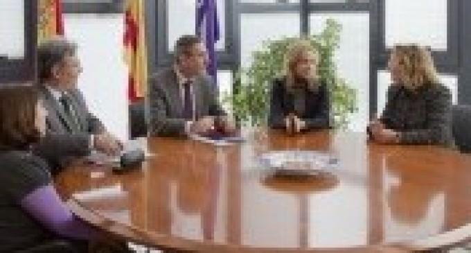 Convenio entre UJI y la Asociación de Criminólogos de la CV