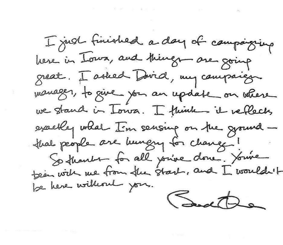 Letra de Barack Obama en la que observamos un margen derecho pequeño, un margen izquierdo muy regular, y unas líneas ligeramente convexas